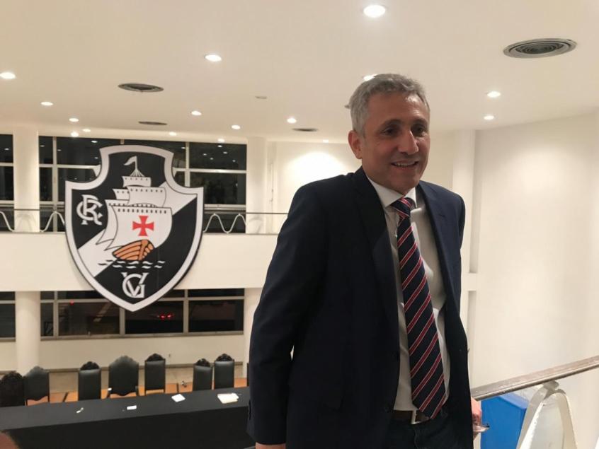 Campello propôs empréstimo de mais R$ 20 milhões ao Vasco (Foto: Luiza Sá)