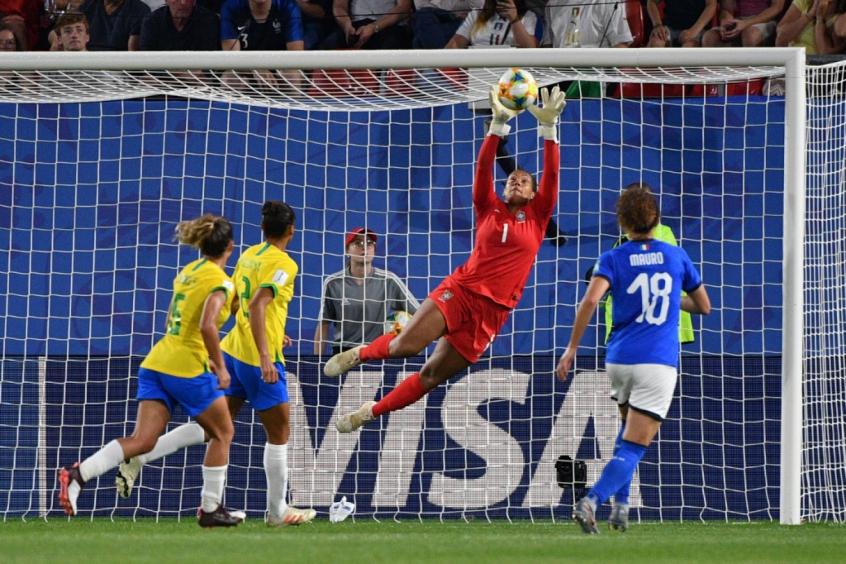 Reduzir Medidas No Futebol Feminino Jogadoras E Especialistas Discordam Lance