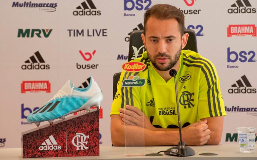 Capitão do Flamengo, Everton Ribeiro organiza lives sobre a temática racial