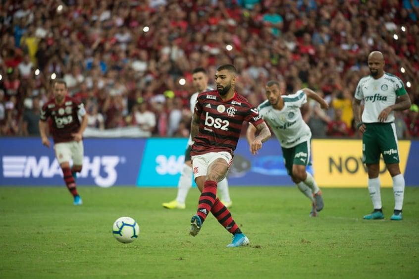 Gabigol reencontra o Palmeiras, seu rival favorito por Flamengo e Santos