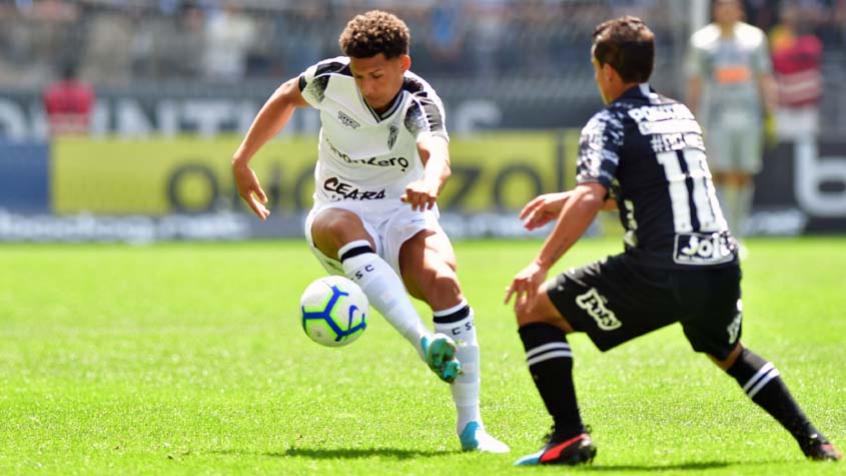 Corinthians Leva Gol Olimpico Nos Acrescimos E Empata Com O Ceara Lance