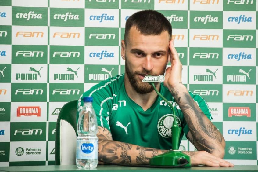 Lucas Lima responde provocação de Neto em entrevista coletiva