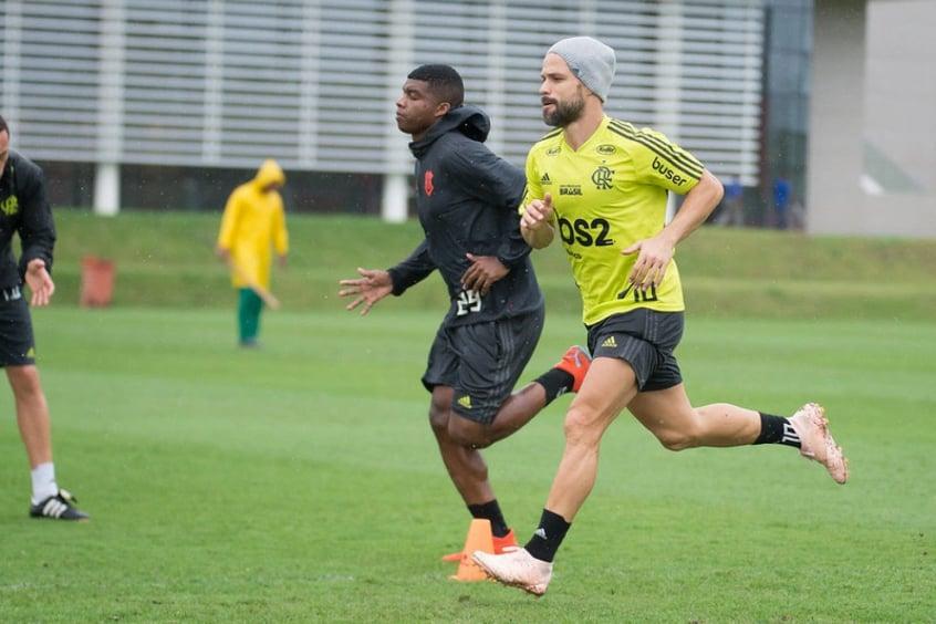 Elenco do Flamengo encerra preparação para duelo contra o Atlético-MG