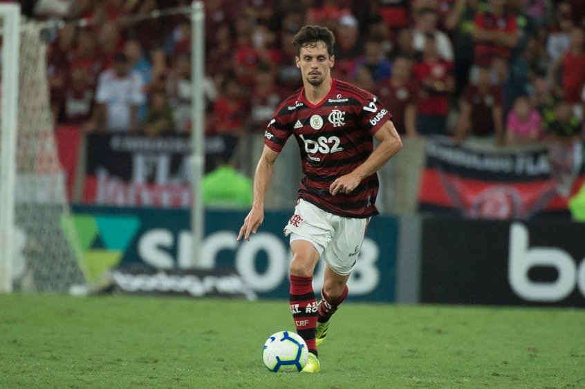 Recuperado, Rodrigo Caio volta e Rogério Ceni ganha dilema no setor defensivo