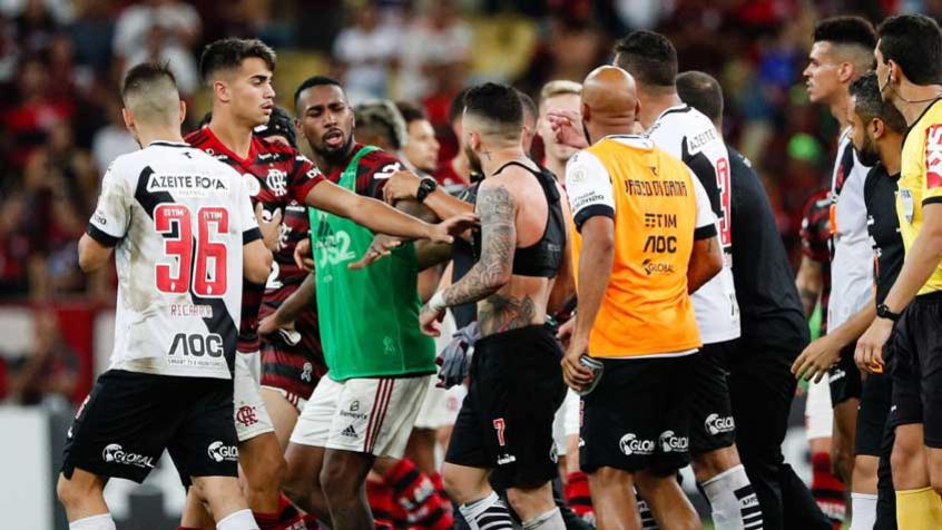 Henríquez responde Bruno Henrique e diz: Libertadores não se ganha assim