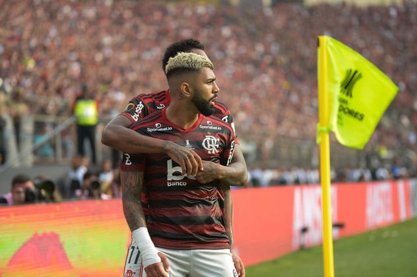 Atacante inicia terceira Libertadores pelo Flamengo e pode superar Zico