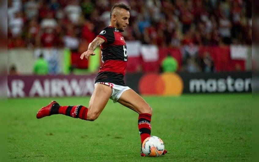 Flamengo divulga comunicado confirmando desistência na contratação de Rafinha