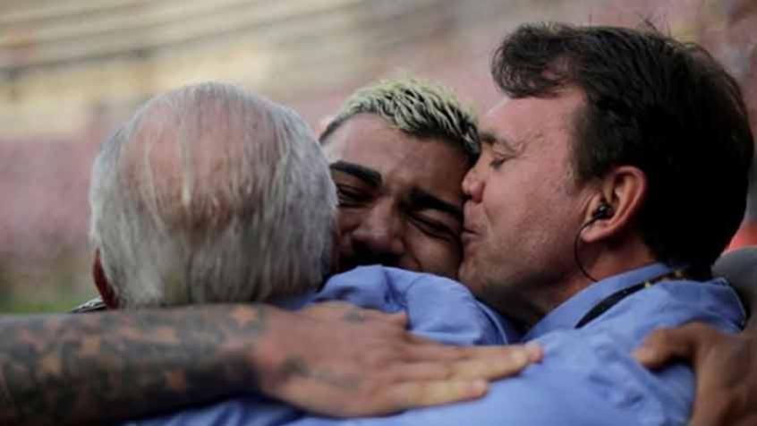 Petkovic compara as emoções dos títulos mais emocionantes da história do Flamengo: Me senti como aqueles torcedores