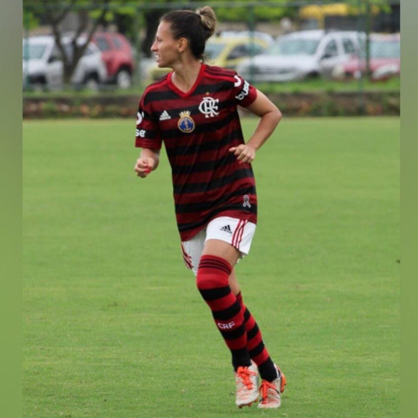 Recuperada, volante do Flamengo celebra atuação após nove meses: Felicidade é o sentimento