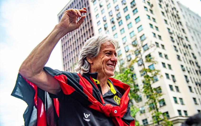 """Abel Braga diz que Jorge Jesus não deveria ter deixado Flamengo: """"Virou Deus"""""""