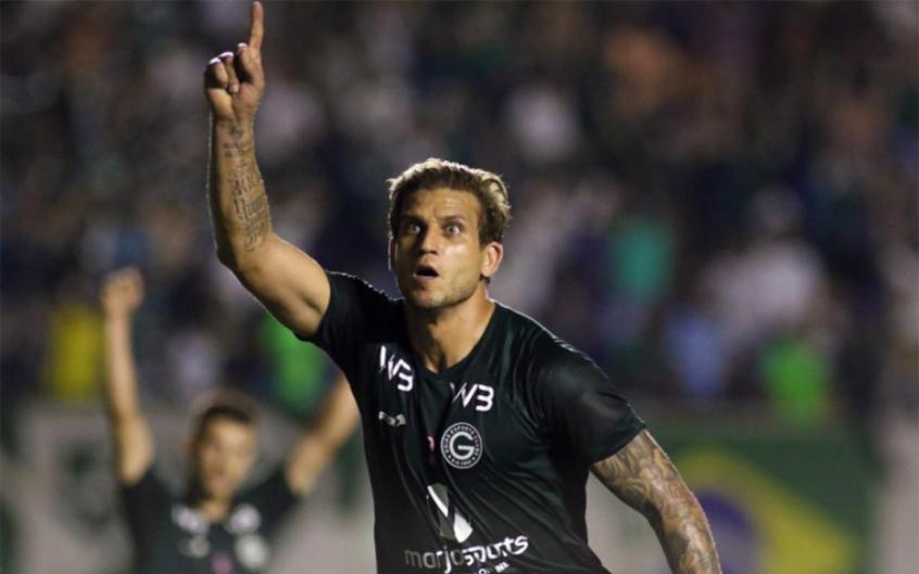 Um gol é certo como de costume, Internautas relembram retrospecto de Rafael Moura contra o Flamengo