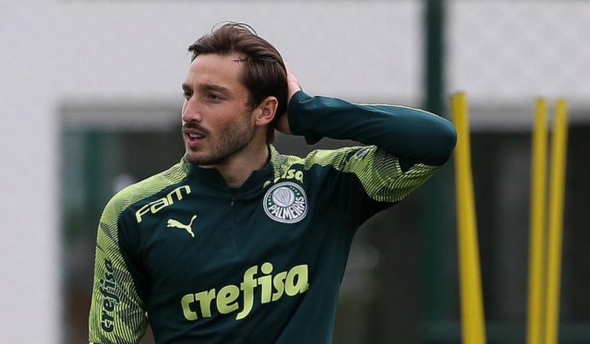 Mayke volta a treinar no Palmeiras; Viña continua em transição física   LANCE!