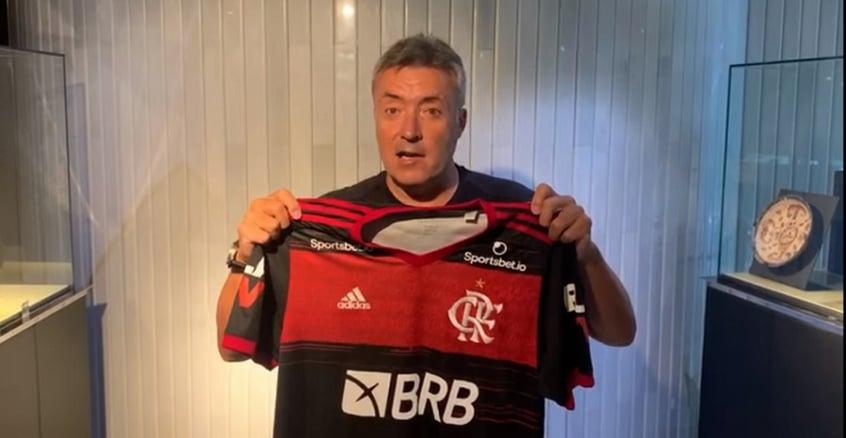 Com data para chegar no Brasil, novo técnico chega ao Flamengo com um dilema