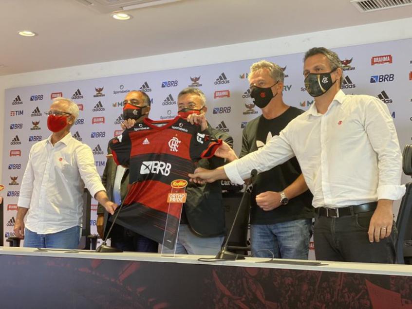 Novo treinador e Flamengo adotam tom diplomático com técnicos brasileiros