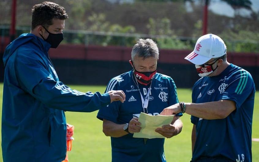 Dome n�o ter� os tr�s principais meias para escalar o Flamengo contra o Goi�s