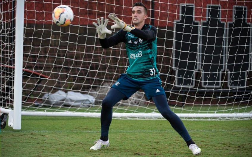 César desfalca o Flamengo no jogo contra o São Paulo