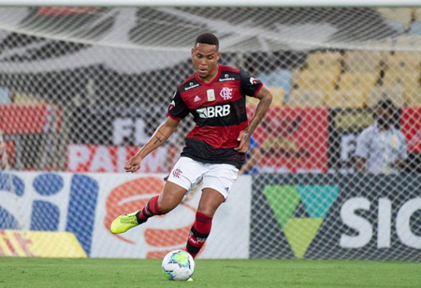 Natan do Flamengo, explica que não xingou árbitro