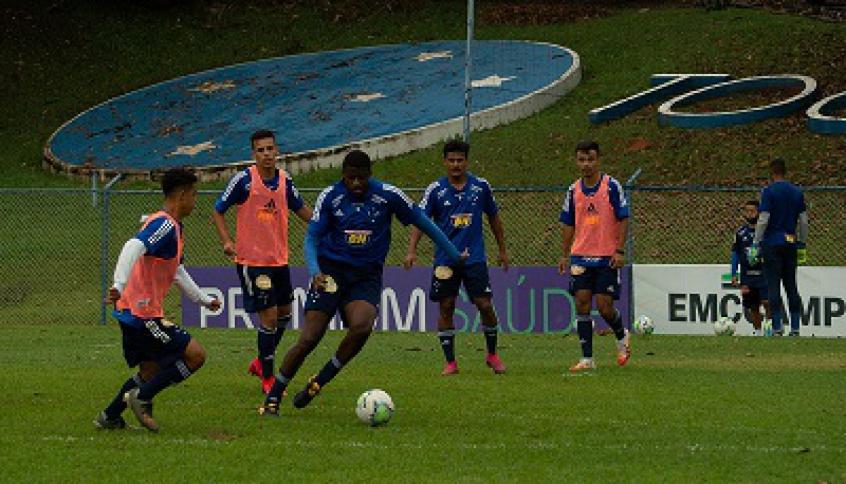 Flamengo encara o Cruzeiro pelo Campeonato Brasileiro sub-20