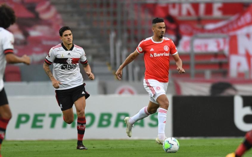 Que Jogo Flamengo Empata Aos 49 Do Segundo Tempo E Nao Deixa O Inter Se Isolar Na Lideranca Lance
