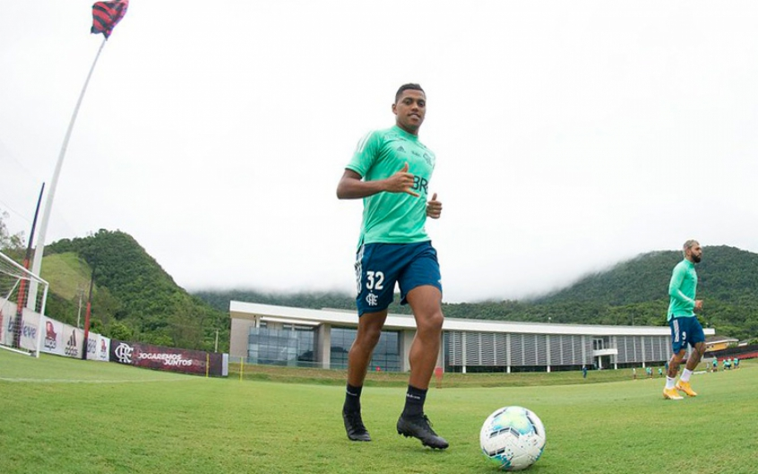 Atacante Pedro Rocha completa dois meses sem jogar no Fla; trio titular segue sem previsão de retorno