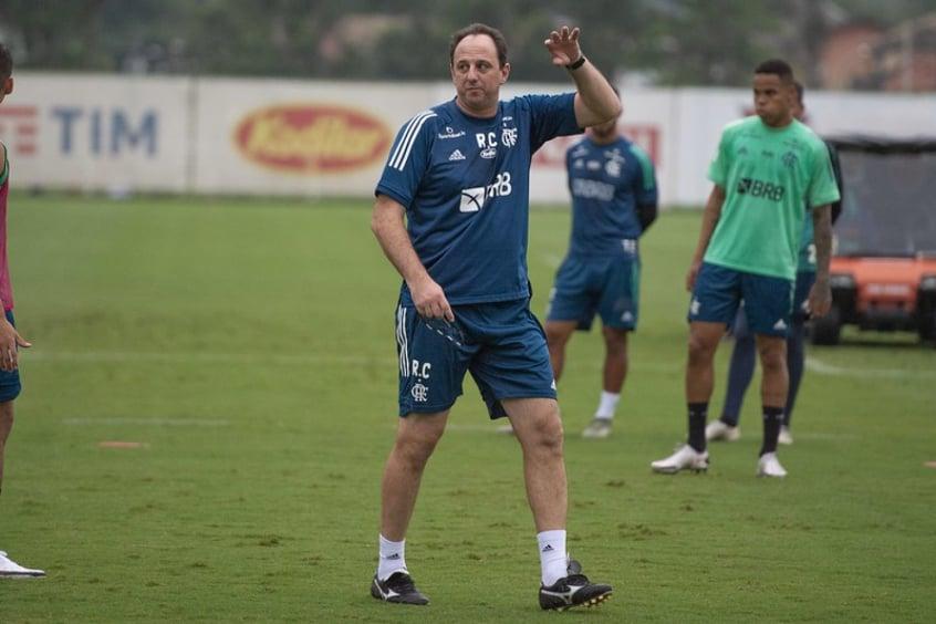Problemas se acumulam, e Ceni terá que 'quebrar a cabeça' para montar o Flamengo contra o São Paulo