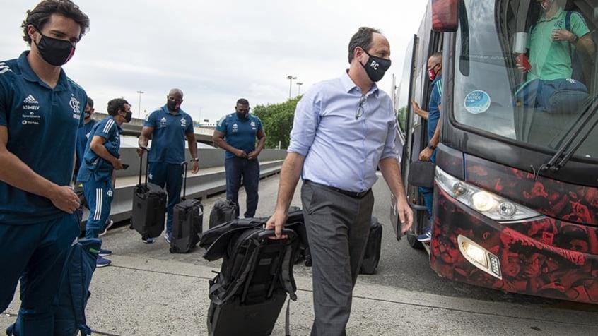 Não custa muito para um presidente demitir, diz auxiliar de Rogério Ceni