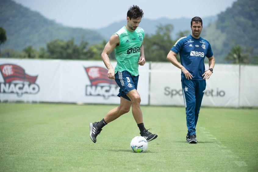 Em temporada marcada por lesões, Rodrigo Caio é baixa no Flamengo pela 28ª vez
