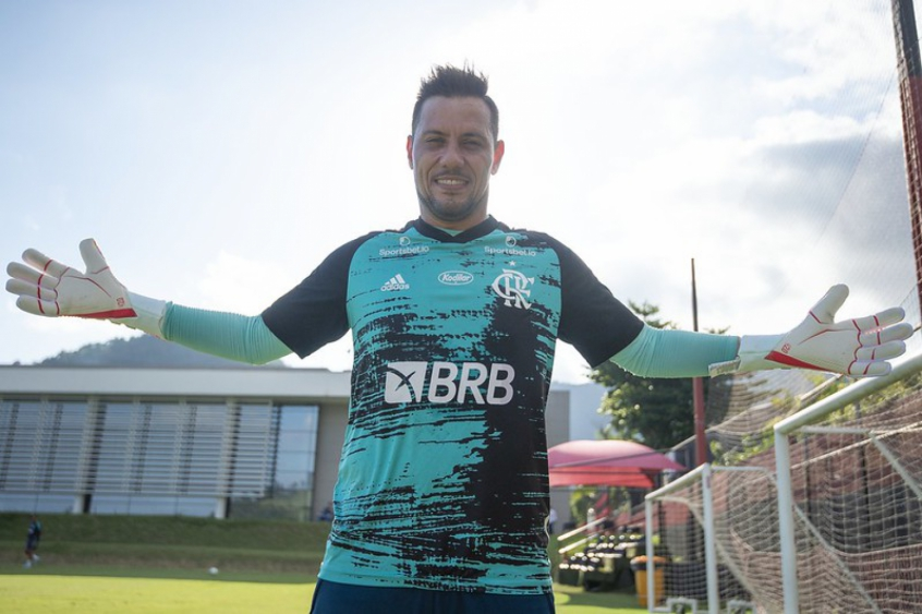 Diego Alves avança em recuperação e se aproxima de retorno no Flamengo