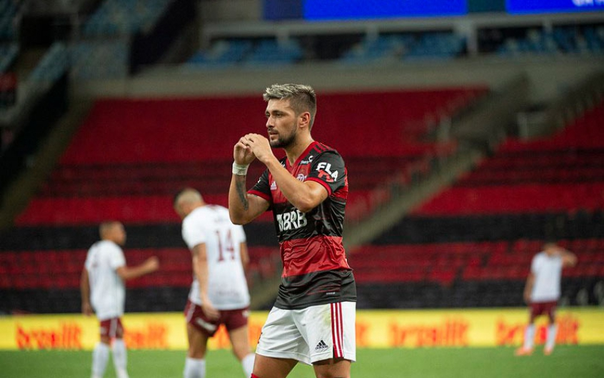Arrascaeta se afasta de lesões e atinge marca importante no Flamengo