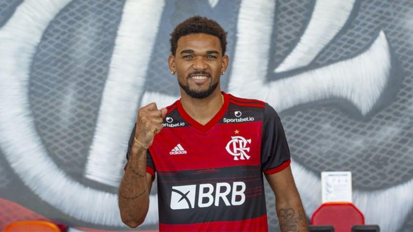 Sem data para estrear pelo Flamengo, Bruno Viana é registrado no BID