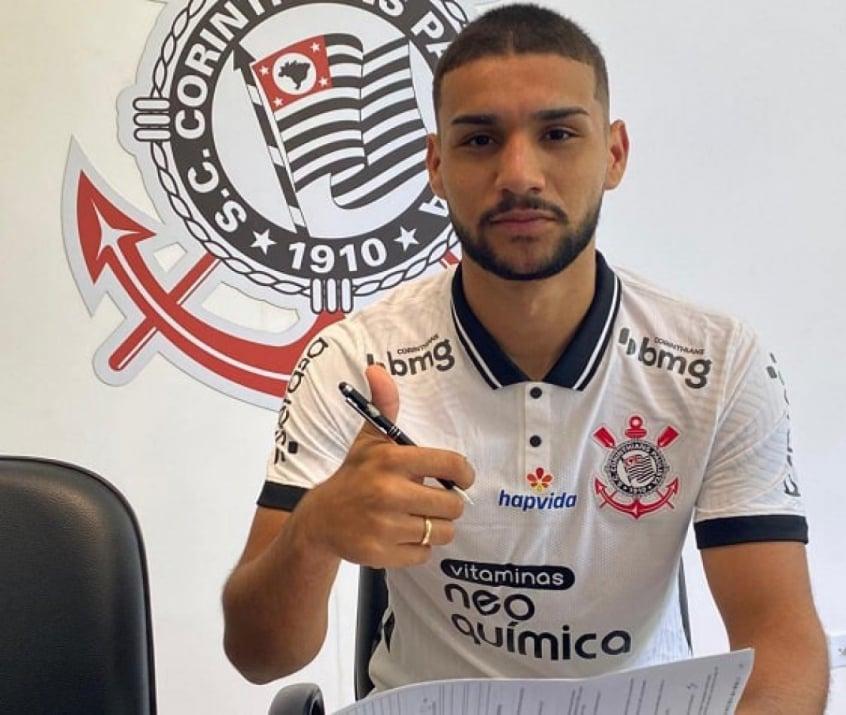 John Kléber fecha em definitivo com o Corinthians por dois anos, veja o valor da multa