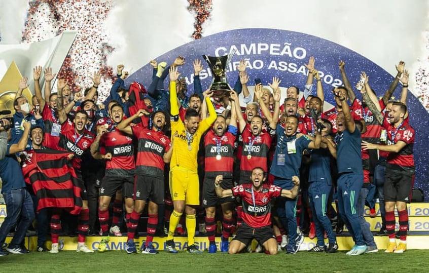 Com novo título brasileiro do Fla, Globo atinge pico de 45 pontos de audiência no Rio