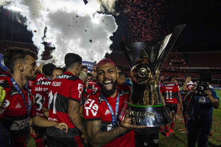 Gabigol diz que Flamengo é Real Madrid brasileiro e jornalista rebate: Tem que remar muito