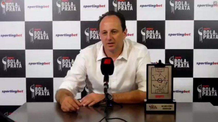 Tenho direito de trabalhar em outro clube, Rog�rio Ceni diz n�o entender s�o paulinos bravos