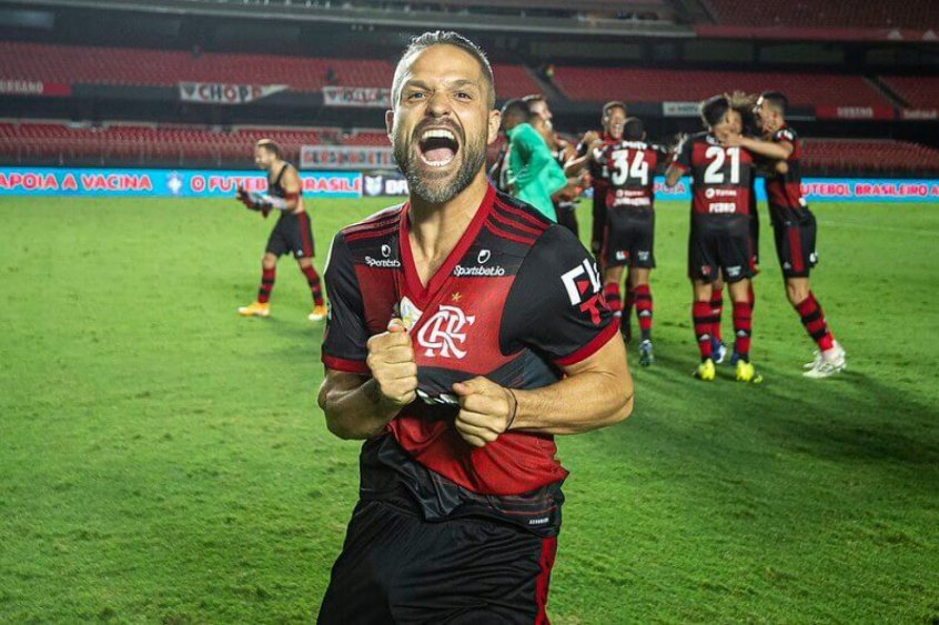 Diego exalta momento no Flamengo e fala sobre relação com Rogério Ceni