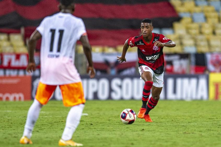 Max dedica o gol da vitória do Flamengo à família: Fiquei emocionado