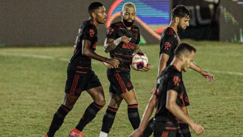 Flamengo empata com o Boavista e continua na liderança