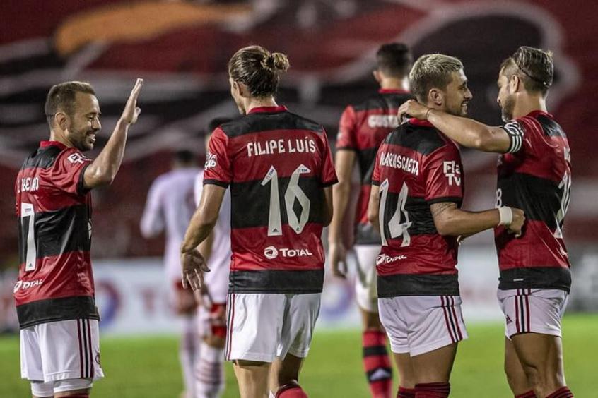 Flamengo tem abril decisivo pela frente; veja calendário