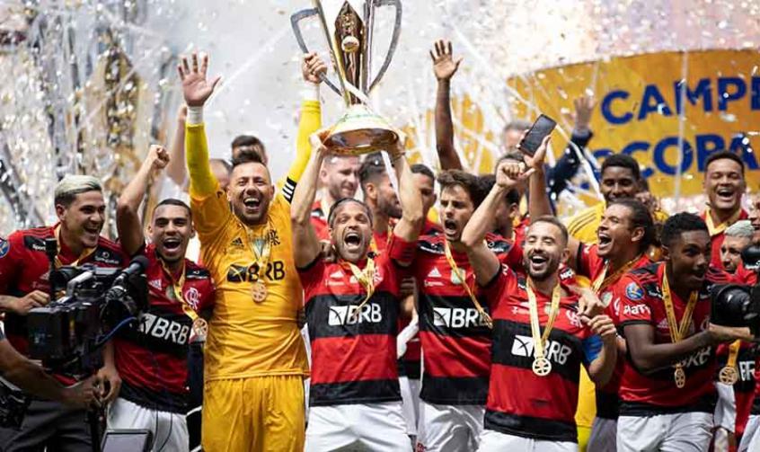 Flamengo é campeão em decisão à altura da rivalidade com o Palmeiras