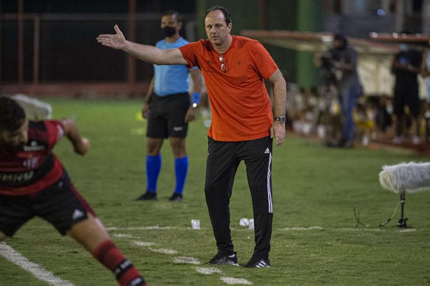 Técnico revela desconforto de Rodrigo Caio e projeta estreia do Flamengo na Liberta: Faremos um grande jogo