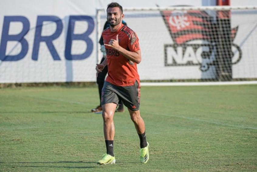 Thiago Maia lembra negociação com o Flamengo e brinca: Tive que dar uma forçada