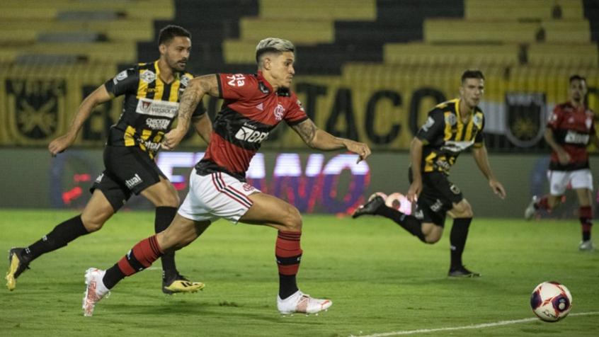 Em noite de Michael e Pedro, Flamengo goleia o Volta Redonda e põe os dois pés na final do Carioca