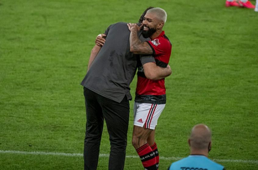 Flamengo ultrapassa a média de 3 gols por jogo em sequência inédita com Rogério Ceni