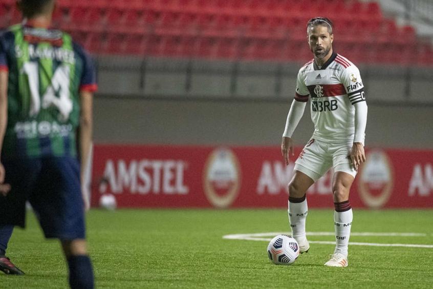 Diego cita aprendizado em tropeço e pede Flamengo focado nas próximas partidas: Ideal é não sofrer gols