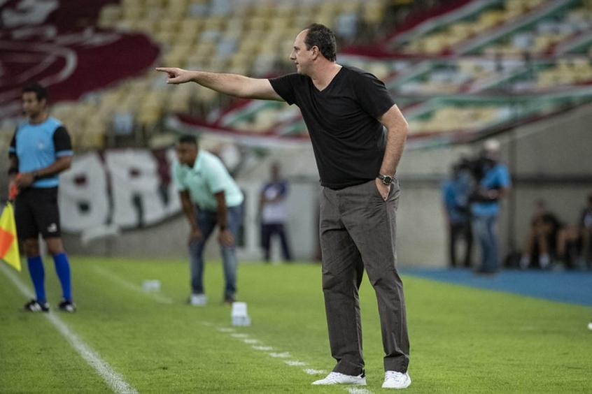 Técnico lamenta chances perdidas pelo Flamengo na decisão e critica arbitragem: O cara estragou o jogo