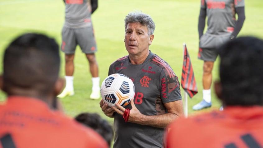 Flamengo se reapresenta após avançar na Libertadores e ganha reforço para encarar o São Paulo