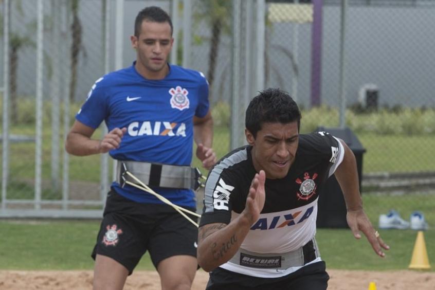 Mais reforços? Corinthians estuda viabilidade de negócio com Paulinho para 2022