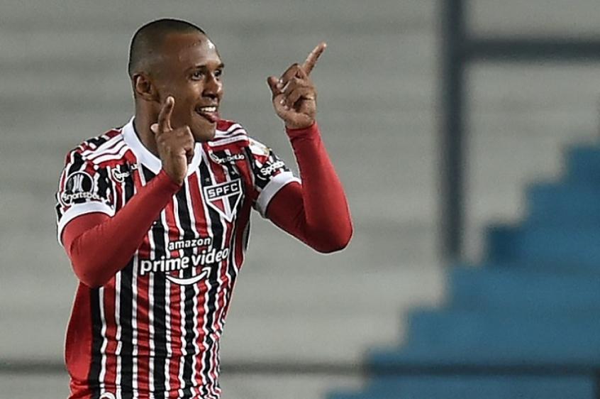 Aos 18 anos, Marquinhos quebra recorde do São Paulo na Libertadores | LANCE!