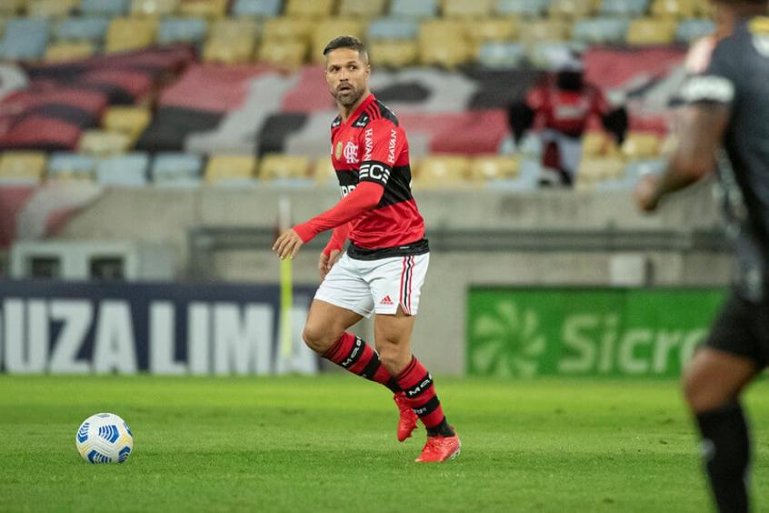 Renato confirma time titular com sete mudanças para enfrentar o América-MG