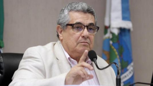 Rubens Lopes durante Assembleia Geral da Ferj (Foto: Úrsula Nery/Divulgação)